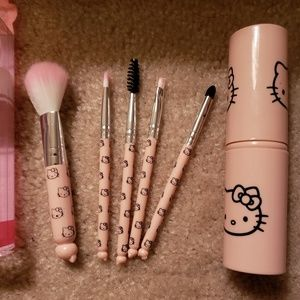 🆕️  Hello kitty cute brush set